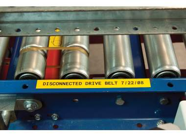 MC-750-595-RD-WT лента 19.05мм/7.62м, универсальный винил,  белый на красном, в картридже 7.62м (BMP41/51/53)